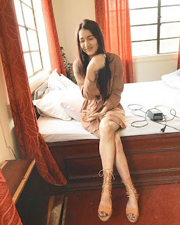 sexy Naga model