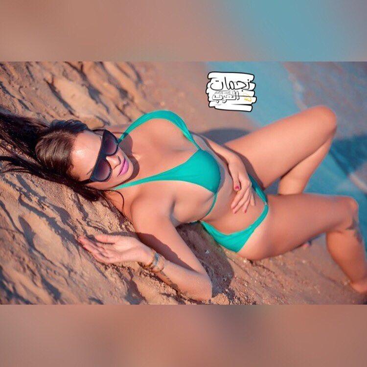 ريهام غنيم بمايوة جرىء على انستقرام