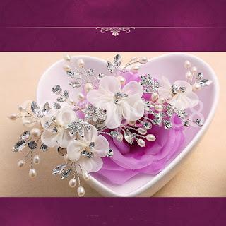 Hoa cài tóc cô dâu xinh xắn, hiện đại chắc chắn bạn sẽ thích 2