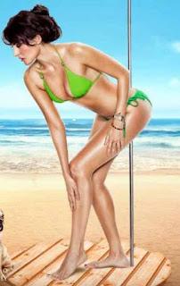 Mandana Karimi Hot Legs Show In Green Bikini