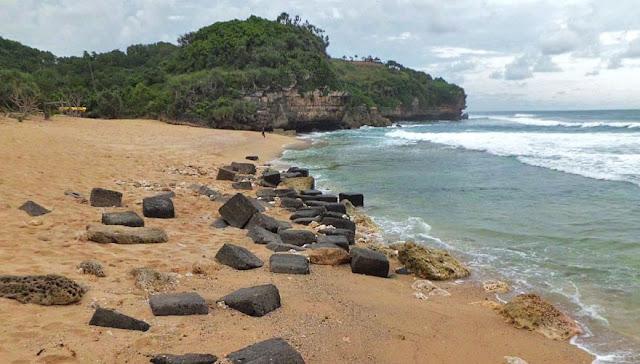 Pantai Trenggole
