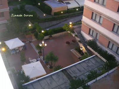 roma-2011-hotel-capital-inn-gradina-vazuta-de-sus