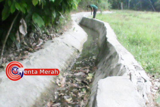 Bernilai Hampir Rp1M, Pengerjaan Proyek Irigasi Karyabakti Kasui Amburadul