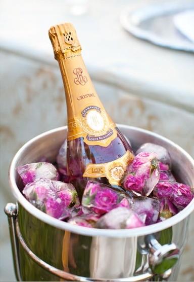 LA IMAGEN DE HOY: Champagne and roses ice cubes. 1