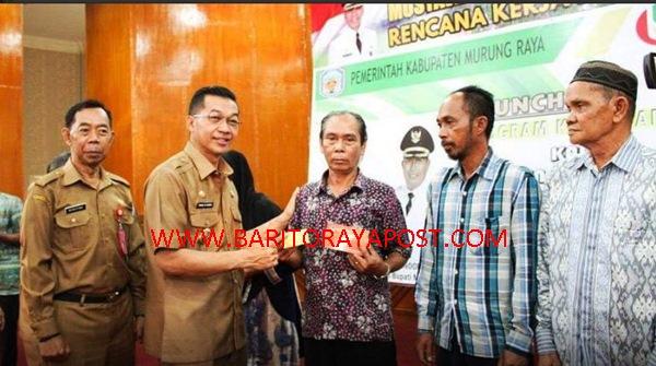 Peluncuran Perdana Program KMS Kepada 1.000 KK Warga Tidak Mampu dan Lansia Di Mura