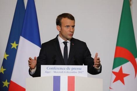 """ماكرون يشجع """"فترة انتقالية معقولة"""" في الجزائر"""