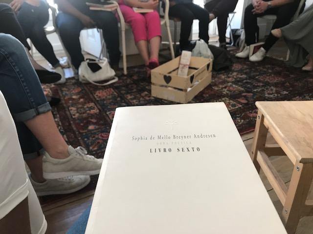 Um livro debaixo da asa, clube literário