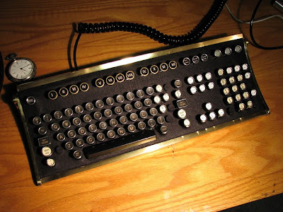 Creative and Cool Reuse of Old Computer Keyboards (30) 19