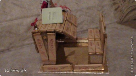 букет конфетный, композиции конфетные, подарки на 1 сентября, подарки на День Учителя, подарки сладкие, подарки школьные, шоколад, конфеты, подарки для школьников, конфеты в подарок, шоколад в подарок, 1 сентября, День учителя, школьное, подарки сладкие, подарки из конфет, подарки из шоколада, подарки съедобные, букеты съедобные, своими руками, подарки своими руками, из конфет своими руками, упаковка конфет,  http://handmade.parafraz.space/, http://prazdnichnymir.ru/ Школьная конфетная парта