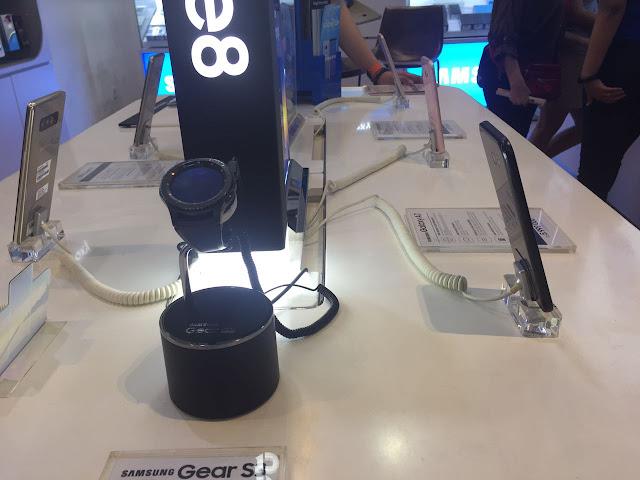 Unboxing Samsung Galaxy C9 Pro