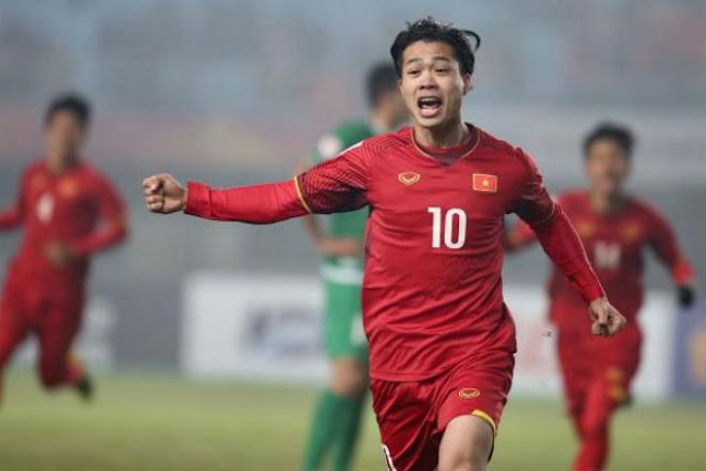 Ít đất diễn tại CLB, tiền đạo Việt đá thế nào ở tuyển?