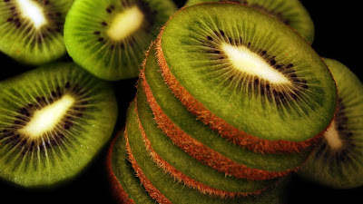 buah kiwi hd wallpaper
