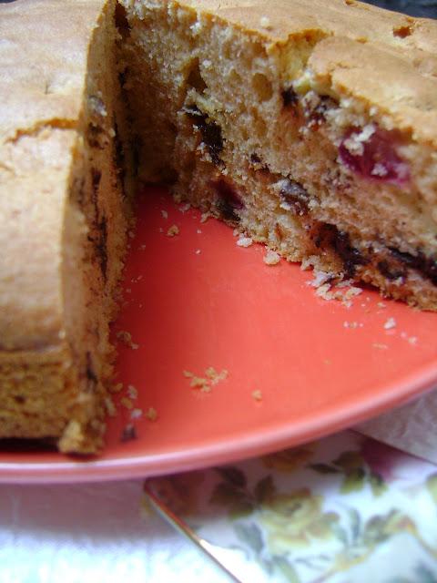 Kirazlı ve çikolatalı kek tarifi