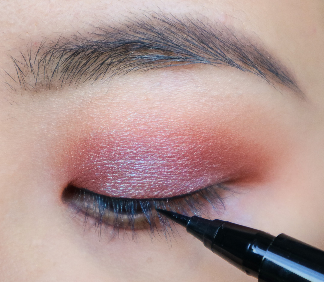 Red and Duochrome Eyeshadow Tutorial using Makeup With Rising Phoenix Eyeshadows