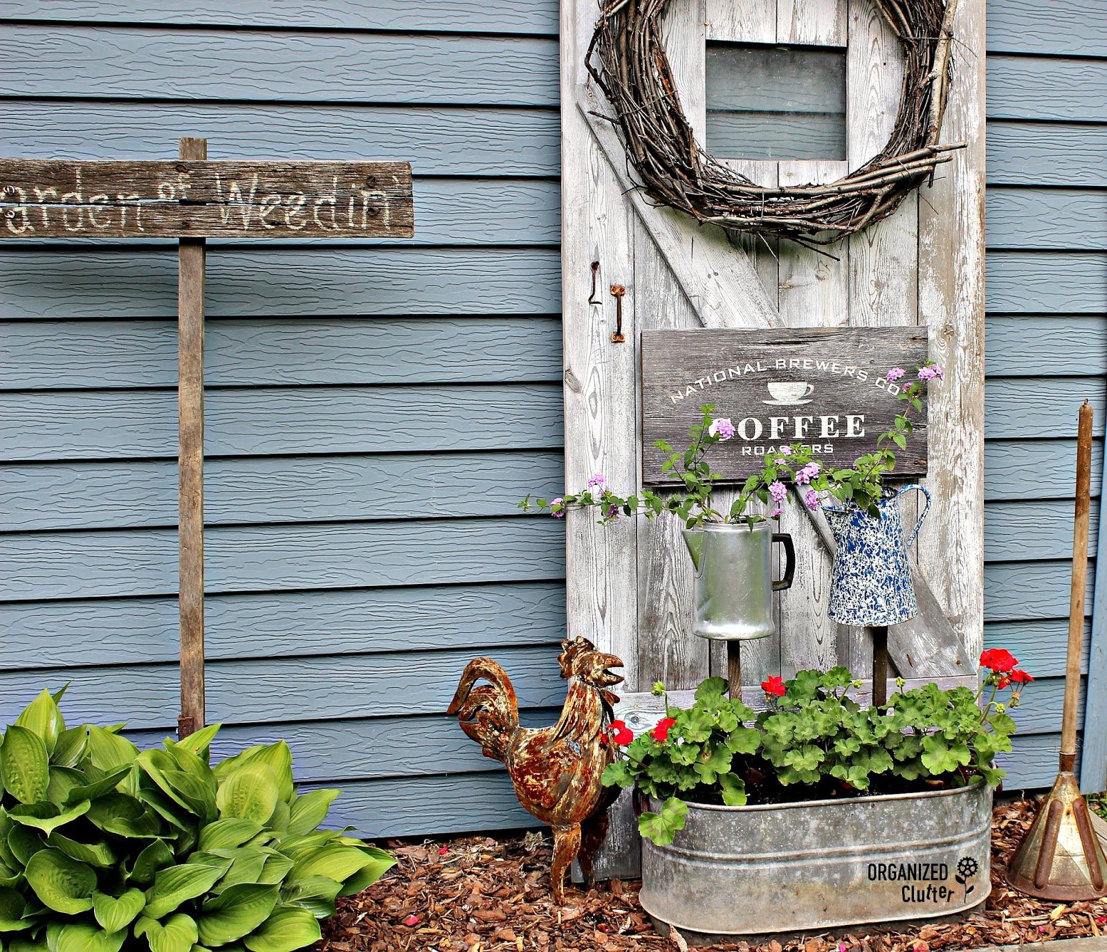 Red Rooster Coffee Garden Valley Changing Up The Junk Garden Vignettes Organized Clutter