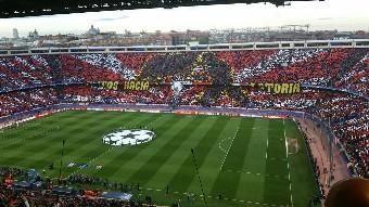 Atlético marca duas vezes e elimina Barcelona da Champions