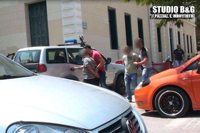 Τέσσερις συλλήψεις από το Λιμεναρχείο Ναυπλίου για παράνομη οπλοκατοχή