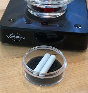 The vSpin® uses magnet technology and a Spigelau decanter
