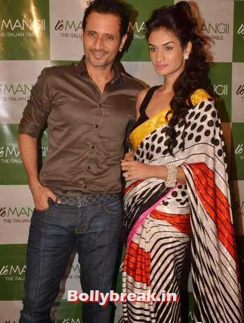 Harmeet Gulzar with wife
