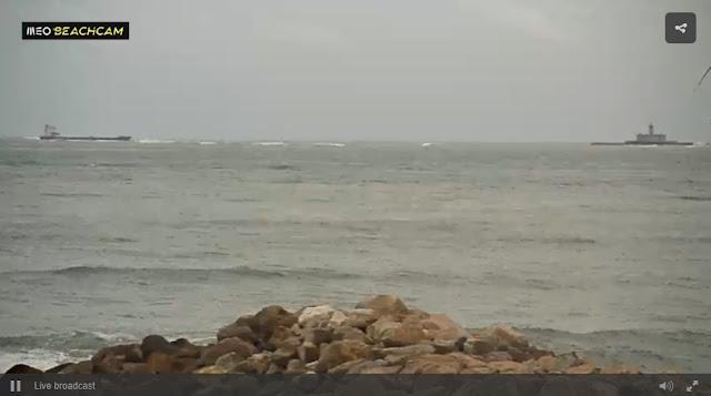 http://beachcam.meo.pt/livecams/caxias/