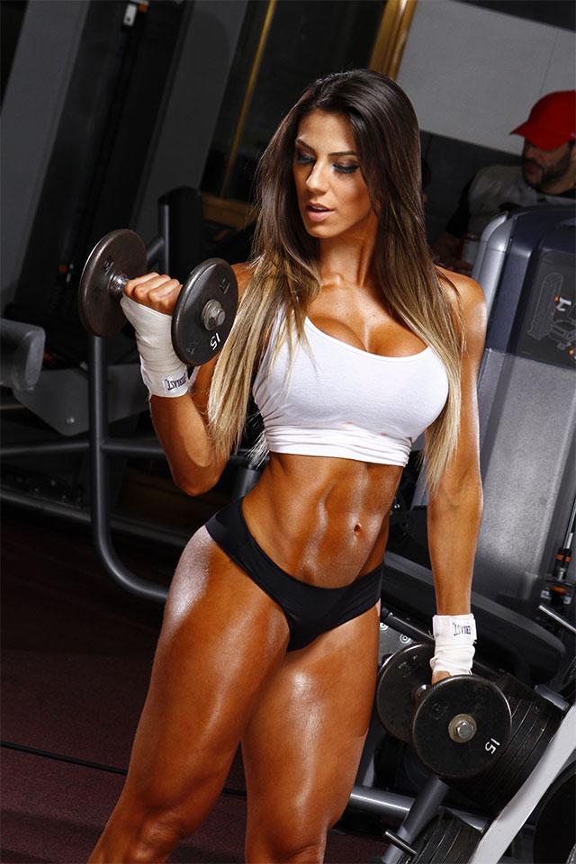 A modelo fitness Carol Saraiva. Foto: Divulgação