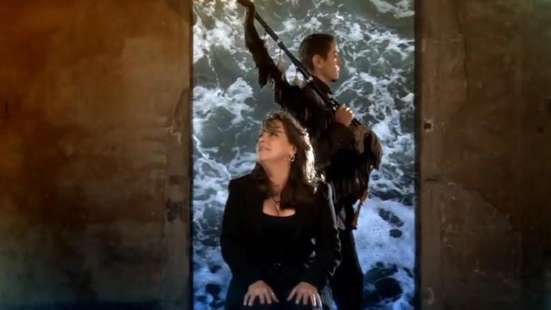 Liuba María Hevia - ¨Con los hilos de la luna¨ - Videoclip - Dirección: Pepe Hevia. Portal Del Vídeo Clip Cubano - 07