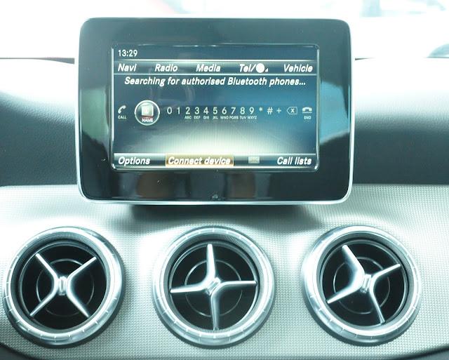 Mercedes CLA 200 sử dụng màn hình màu TFT 5.8-Inch