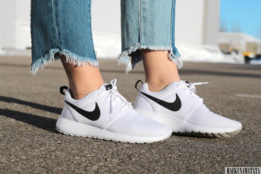 Nike Roshe One White Black - Blogger Style OOTD