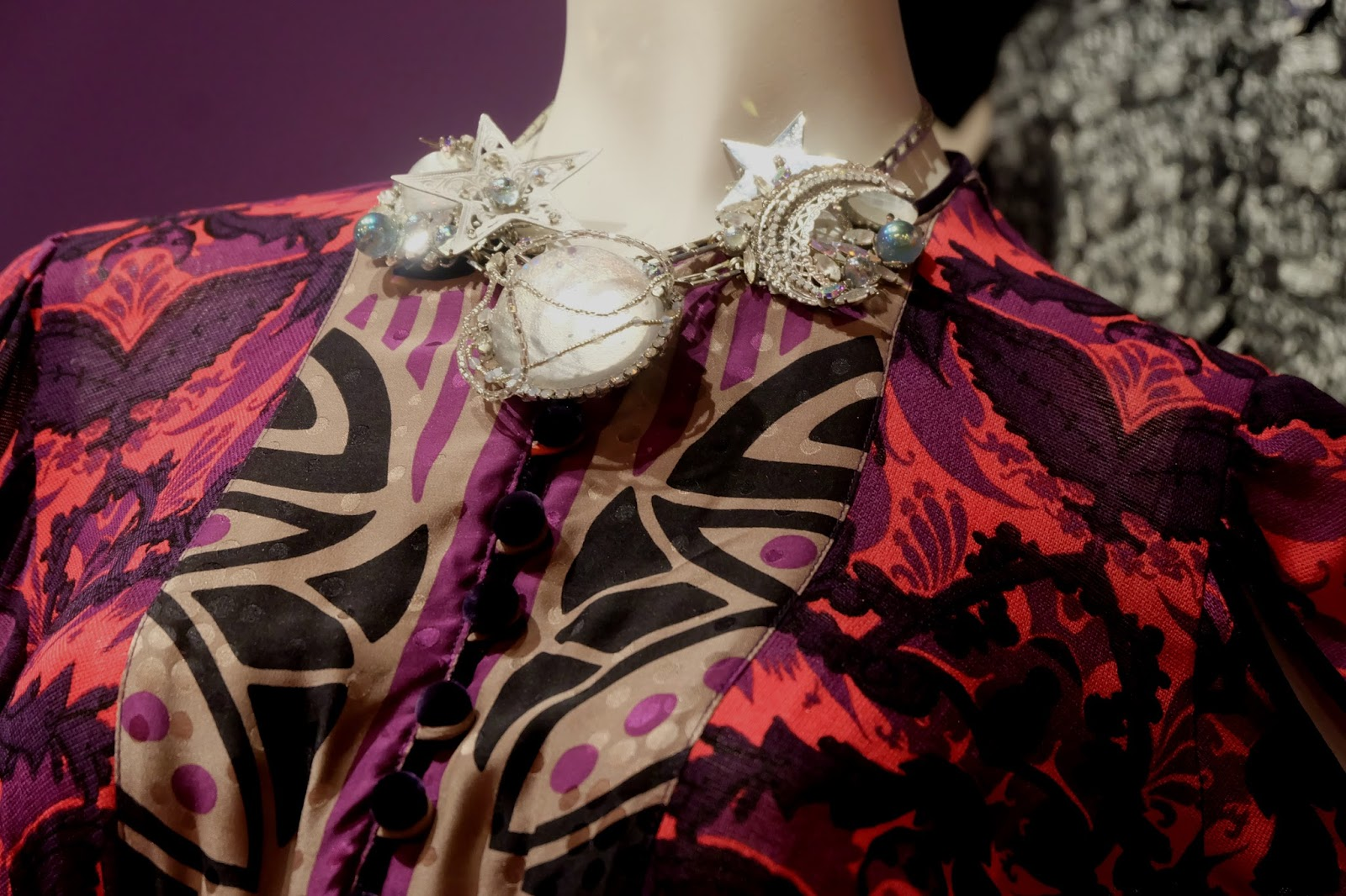 the world of anna sui, fashion and textile museum, bermondsey street, fashion museum uk, fashion museum london, things to do in london, things to do in south london, london, fashion exhibition, fashion history, anna sui exhibition,