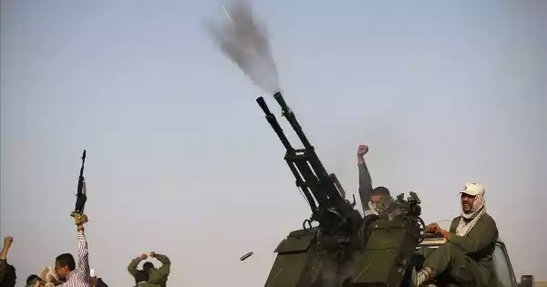 Νέο πλήγμα των δυναμεων του Χ.Χαφτάρ στην Τουρκία: Ακόμη ένα τουρκικό UAV TB.2 κατέρριψαν οι δυνάμεις του LNA (βίντεο)
