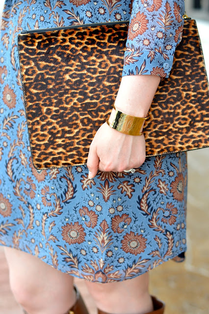 leopard-clutch-fall-outfit