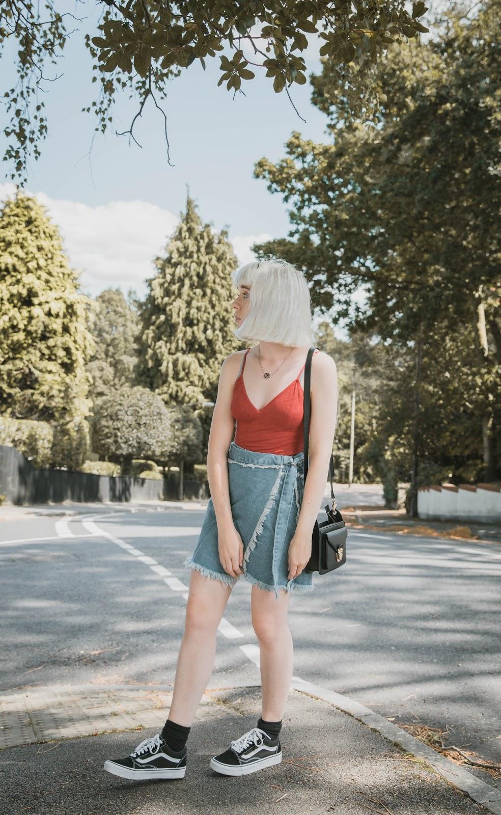 how-to-wear-frayed-denim