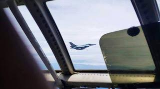 F-16 TNI AU Dilihat Dari Kokpit Hercules TUDM