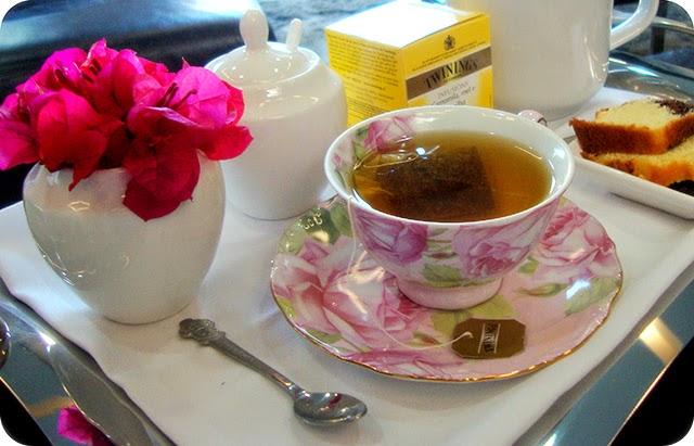 Decoração da Bandeja para a Hora do Chá