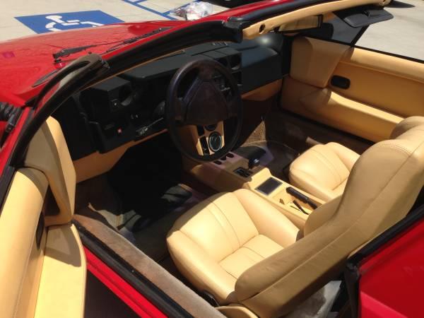1984 Lamborghini Jalpa Interior