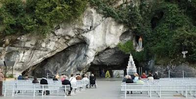 Descienden visitas a Lourdes tras la sanación de los casi 900 heridos en Cataluña