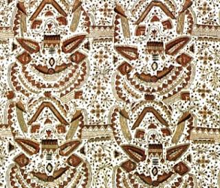 Motif tersebut pada mulanya sangat ekslusif, sebab rakyat jelata biasa masa lalu tidak akan diperkenankan untuk mengenakanya, Kecuali Sultan serta keturunan dari trah atau keluarganya saja yang diperbolehkan mengenakan batik motif Kraton ini.