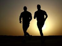 8 Manfaat Sehat Olahraga Dengan Lari Pagi atau Lari Soreh ( Jogging )