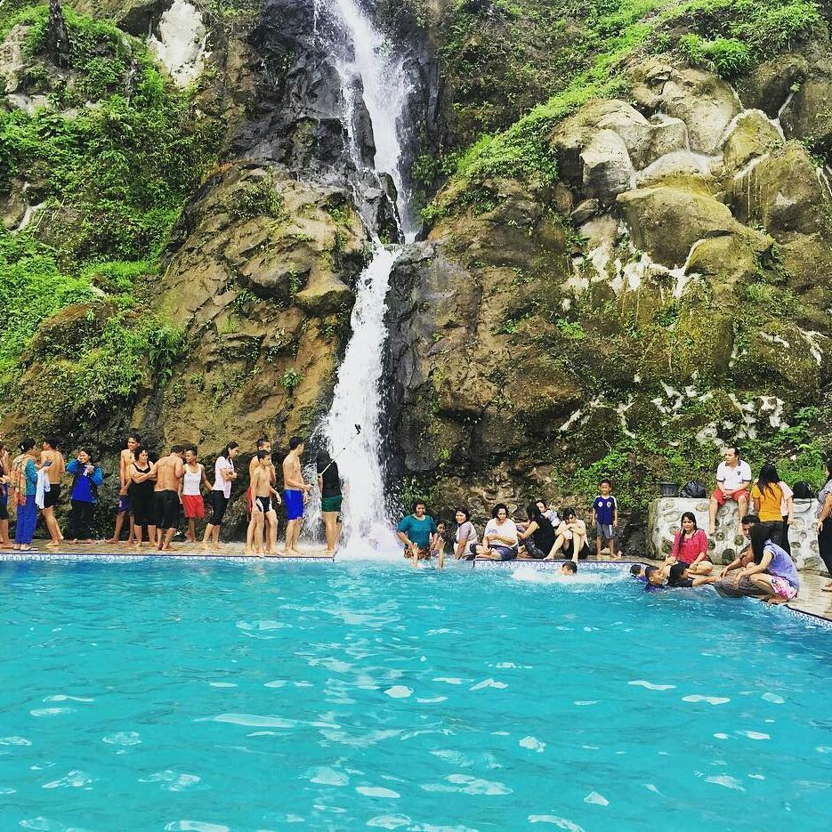 Rute Dan Lokasi Bukit Gibeon Sibisa, Air Terjun Yang Lagi Hits