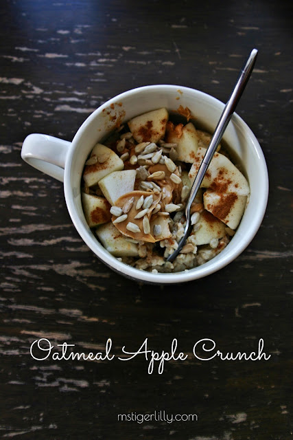 The perfect fall breakfast recipe: Oatmeal Apple Crunch! Sink your teeth and start your breakfast with all of your favourite fall flavours. Warm, spiced and extra simple to make, this breakfast treat will become a staple will keep you feeling energized throughout the day. Click here to read more or pin and save for later.