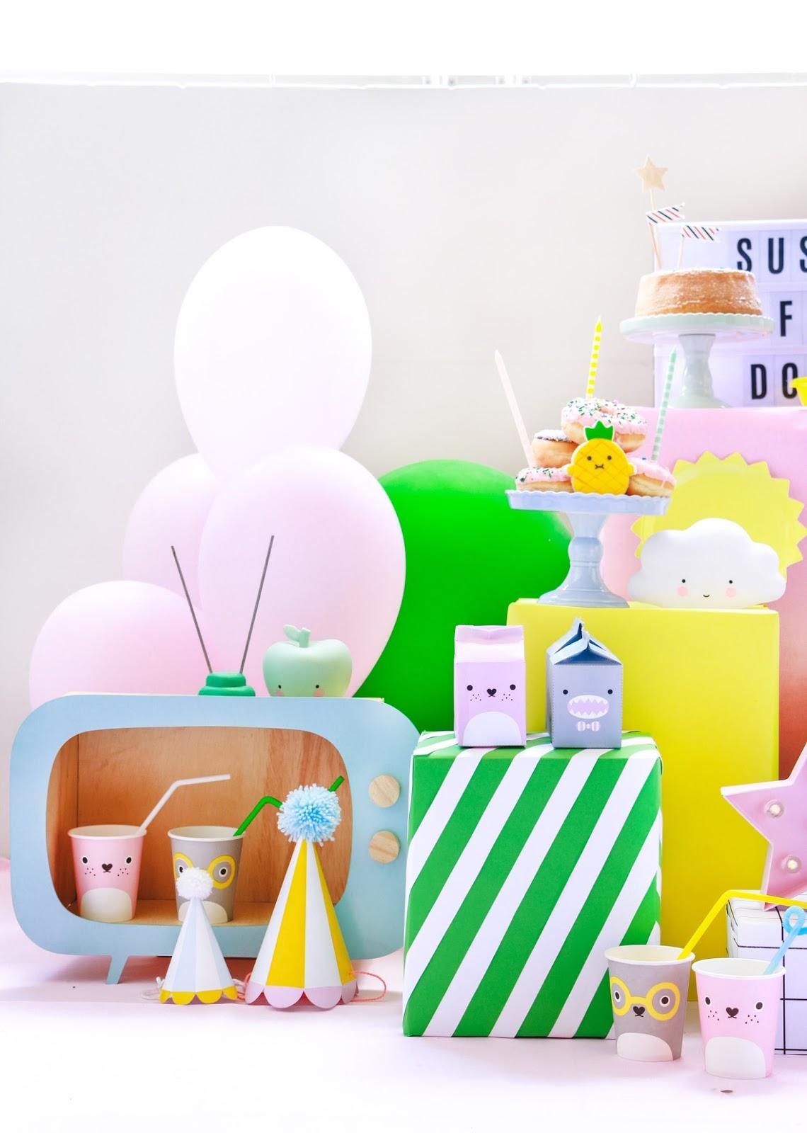 decoração festa infantil para cachorro colorida e barata com donuts tema noodoll