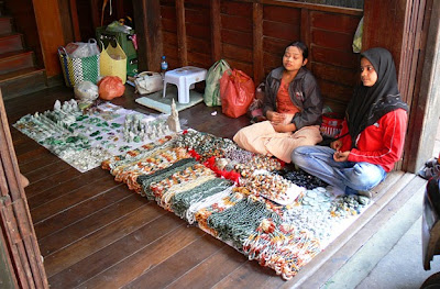 Natural yellow jade beads street shop in Mae Sot
