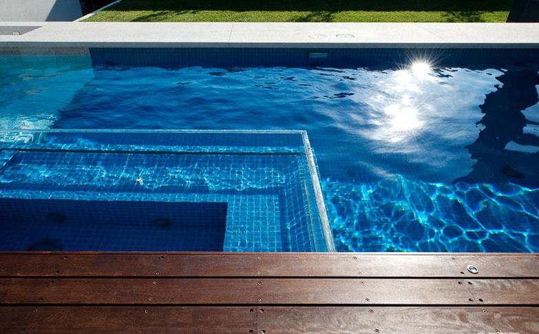 Swimming pools to di v e for amazing pool landscape for Pool designs victoria