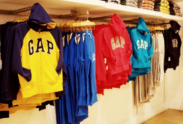 Gap Peru colección otoño 2017 polera hoodie