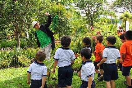 Escuela Ecológica en Costa Rica