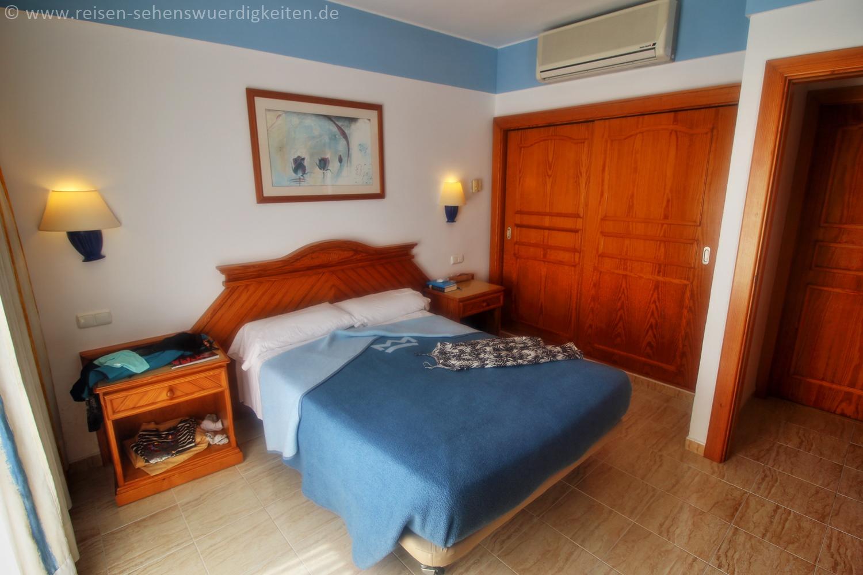 Schlafzimmer 3 im Hotel Riu Paraiso Lanzarote