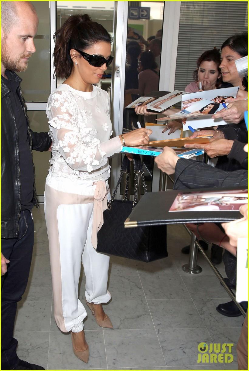 Celeb Diary: Eva Longoria & Liv Tyler @ Nice Airport