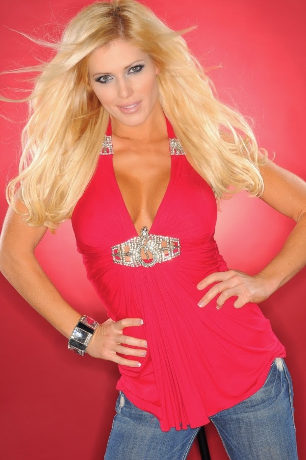WWE Divas: Torrie Wilson Hot Pink Top and Jeans Images