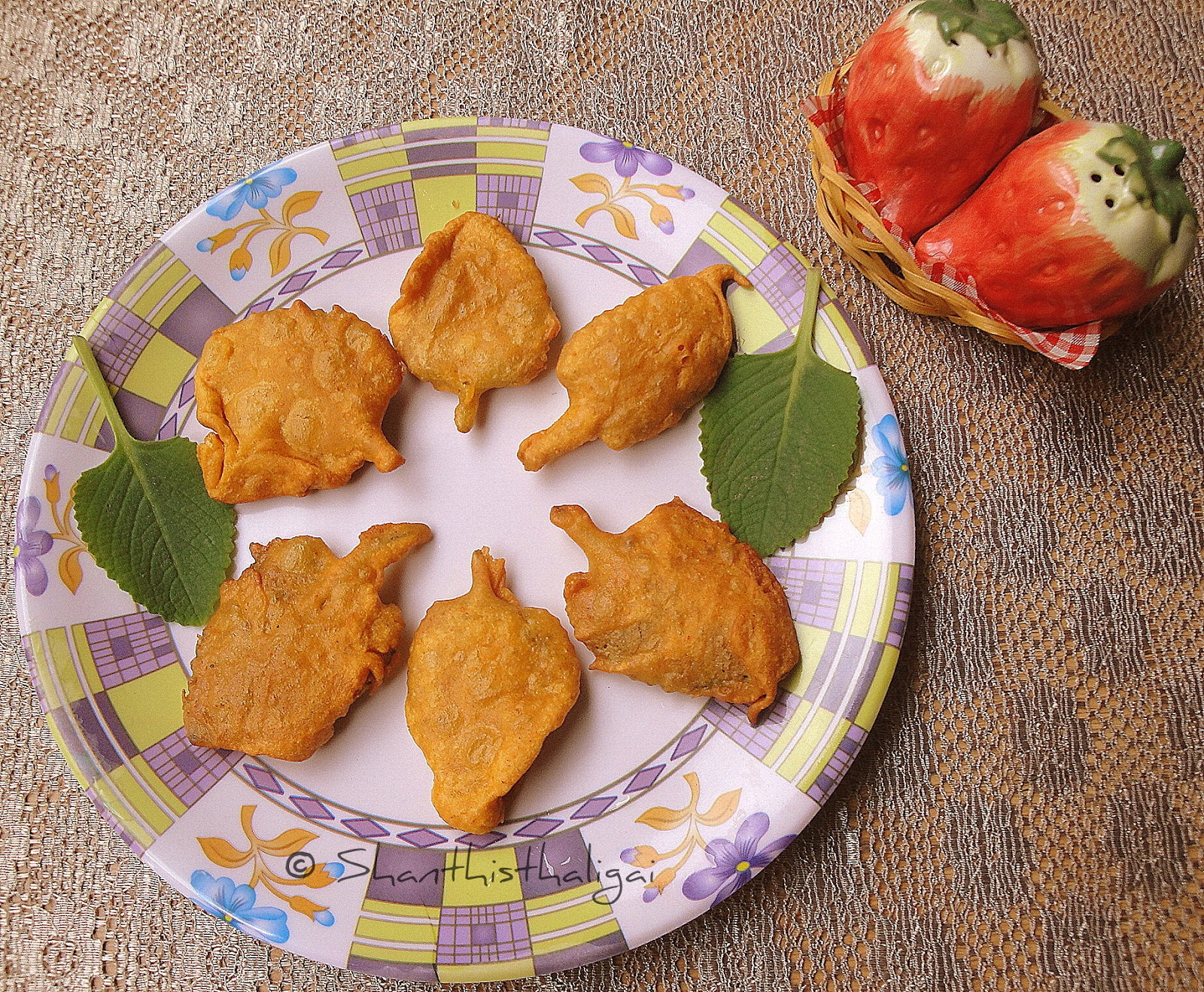 How to make omavalli leaves bajji, How to make ajwain leaves fritters