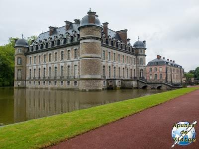 El castillo de Beloeil con su foso
